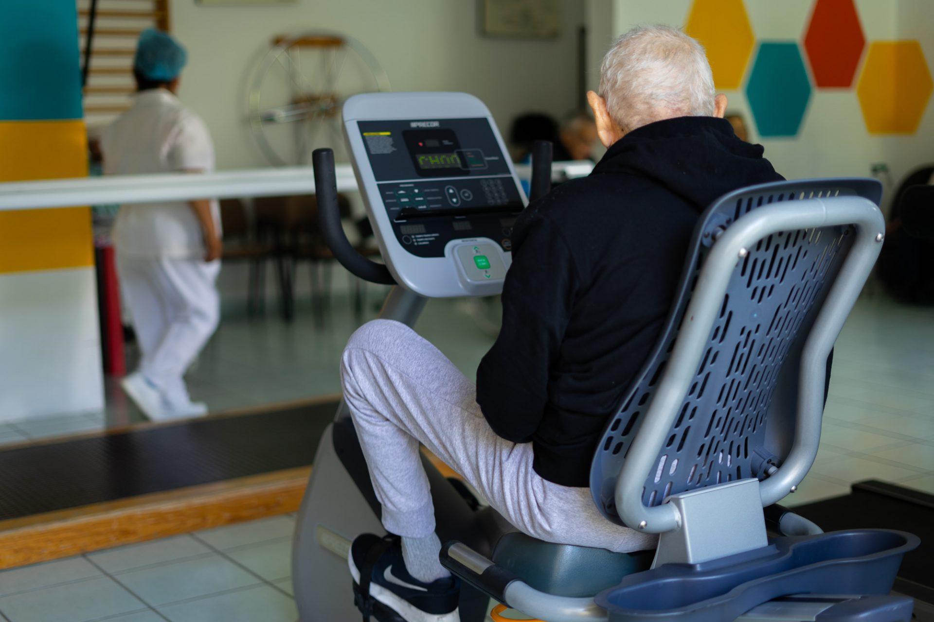 Centro geriátrico con gimnasio para adultos mayores Qro